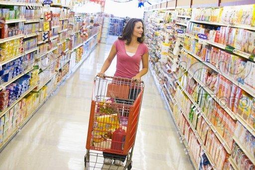 donne al supermercato