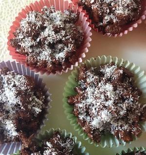 Croccanti di farro soffiato al cocco e cioccolato