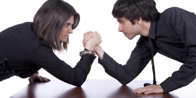 Istat: le donne valgono la metà degli uomini