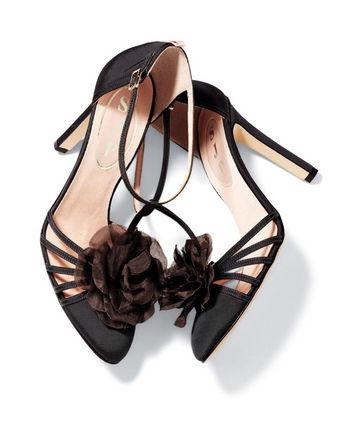 Le scarpe di Sarah Jessica Parker: ecco i primi modelli in vendita [FOTO]