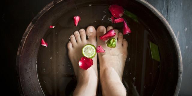 10 rimedi naturali per alleviare i dolori mestruali