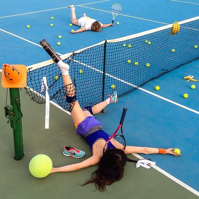 caduta sul campo da tennis