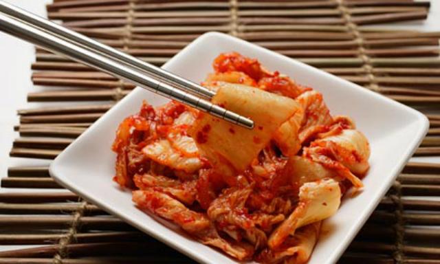 Alimenti che aiutano a vivere a lungo: kimchi