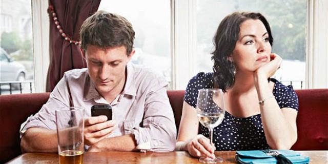 gli smartphone danneggiano la salute