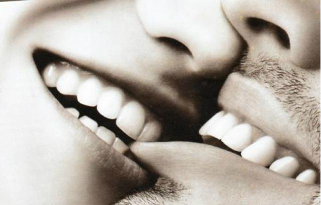 bacio con morso