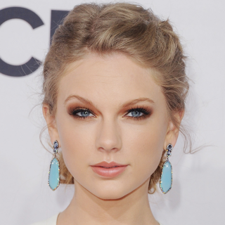 Bronze Smokey Eye Taylor Swift