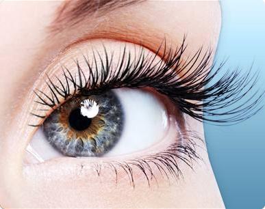 Grow_Longer_Eyelashes_Naturally_by_Eyelash_Enhancer