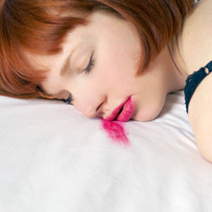 rby-7-biggest-beauty-sins-sleeping-with-makeup-mdn