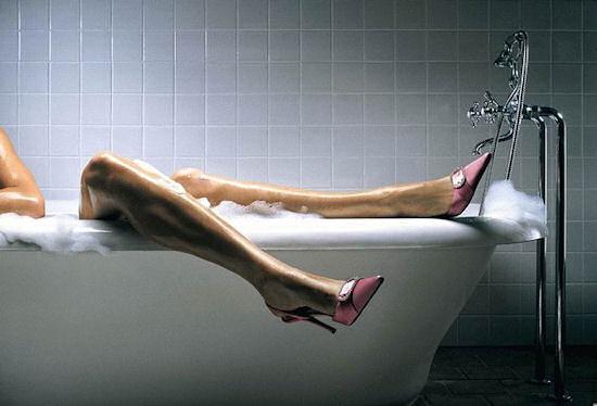 Donne Nella Vasca Da Bagno ~ Una Fonte di Ispirazione Per Case ...